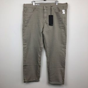 NWT Gap 1969 Grain Color Sexy Boyfriend Jeans